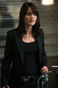 Agent-Teresa-Lisbon-The-Mentalist-tv-female-characters-15317910-682-1024